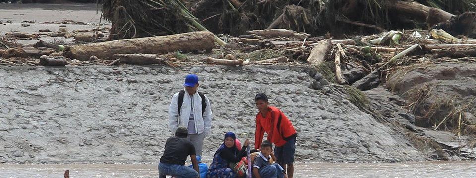 Филиппинский Тайфун движется ан Фукуок