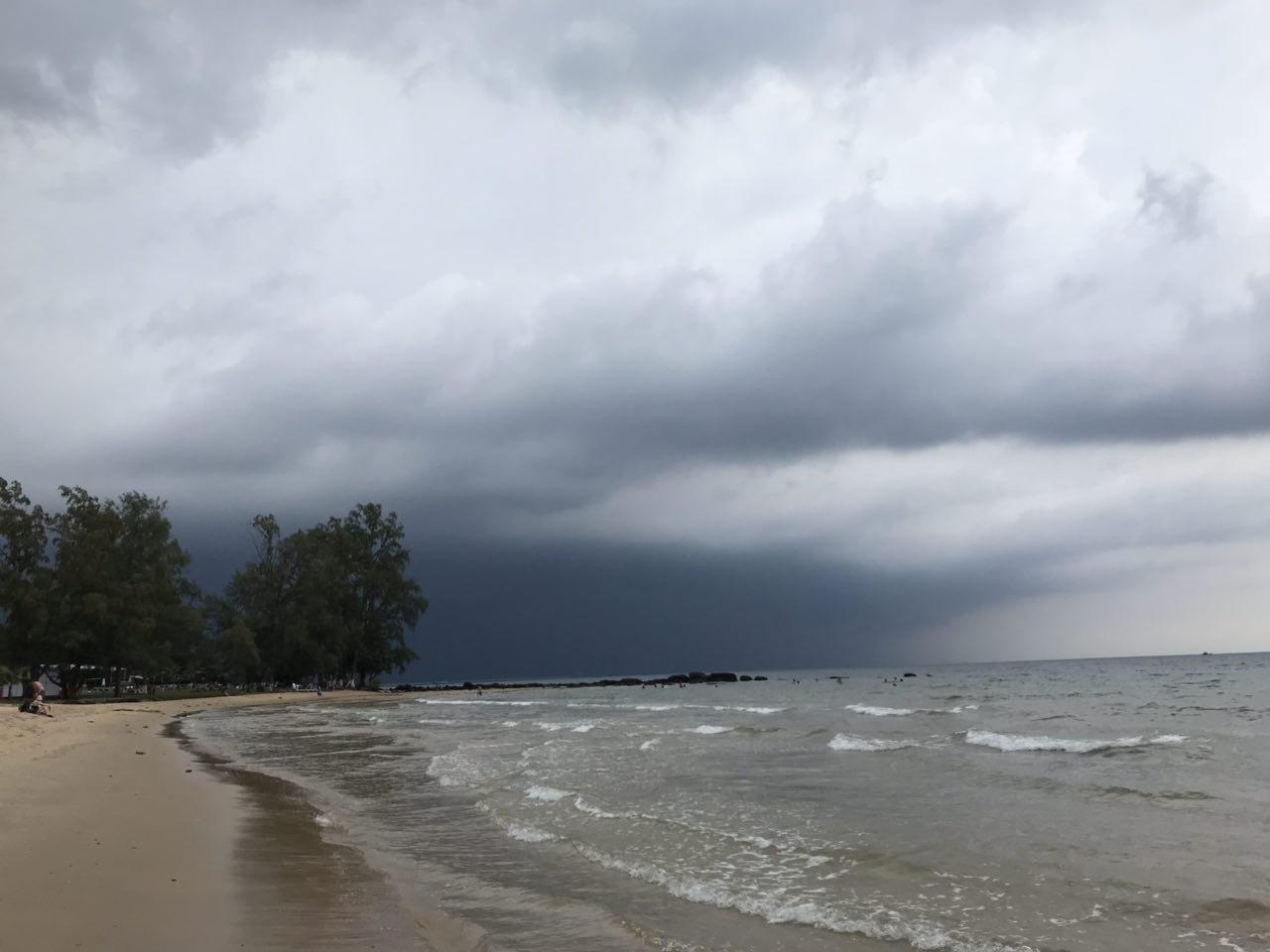 шторм на острове фукуок в декабре