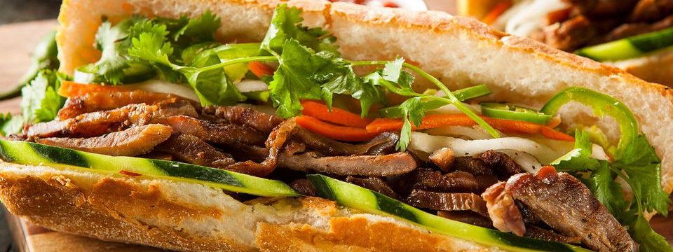 бан ми - традиционный вьетнамский фастфуд